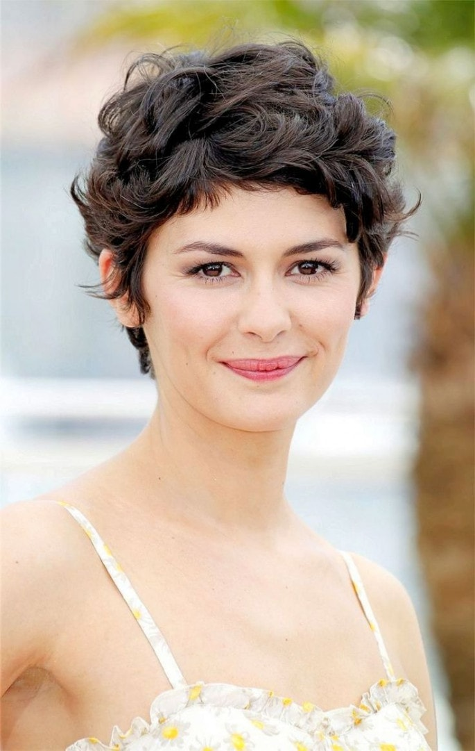 Best Short Curly Hairstyles For Women 2020 Round Up Caffehair